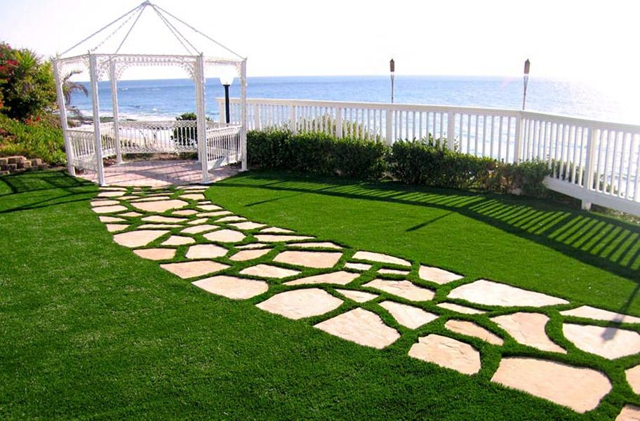 Significant importance of artificial grass